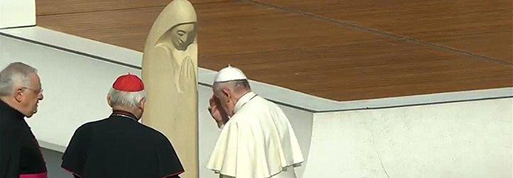 """El Papa denuncia ante los universitarios las """"nuevas esclavitudes creadas en nombre de una falsa libertad"""""""
