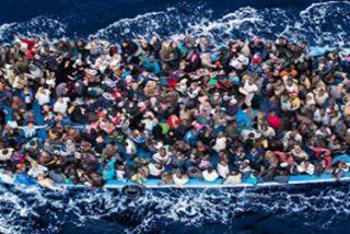 Una española de 23 años rescatada junto a 50 refugiados en una patera a la deriva en Lesbos