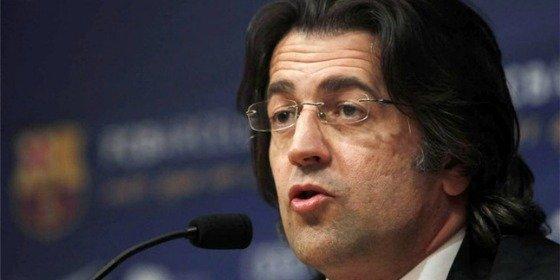 El exdirectivo del Barça Toni Freixa tacha de loco a un tuitero