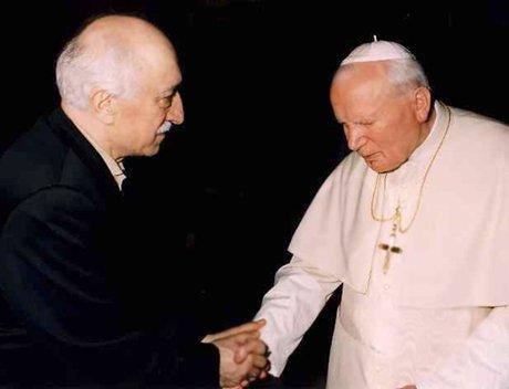 "La prensa turca acusa a Gülen de ser ""caballo de Troya del Vaticano"""
