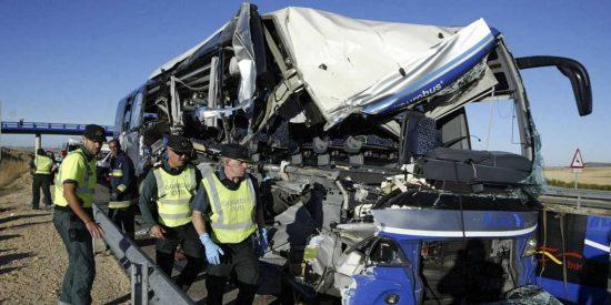 Una persona fallecida y 43 traslados al Hospital de Soria en un accidente de autobús