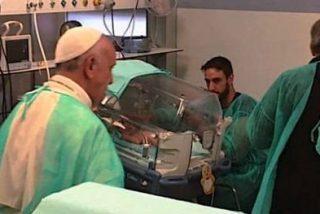 El Papa visita la unidad de neonatología y a pacientes terminales de hospitales romanos