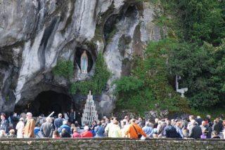 En Lourdes, los enfermos son los primeros
