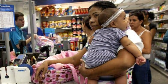 SOS Pañales: la angustiosa búsqueda de los padres con niños en la enmerdada Venezuela