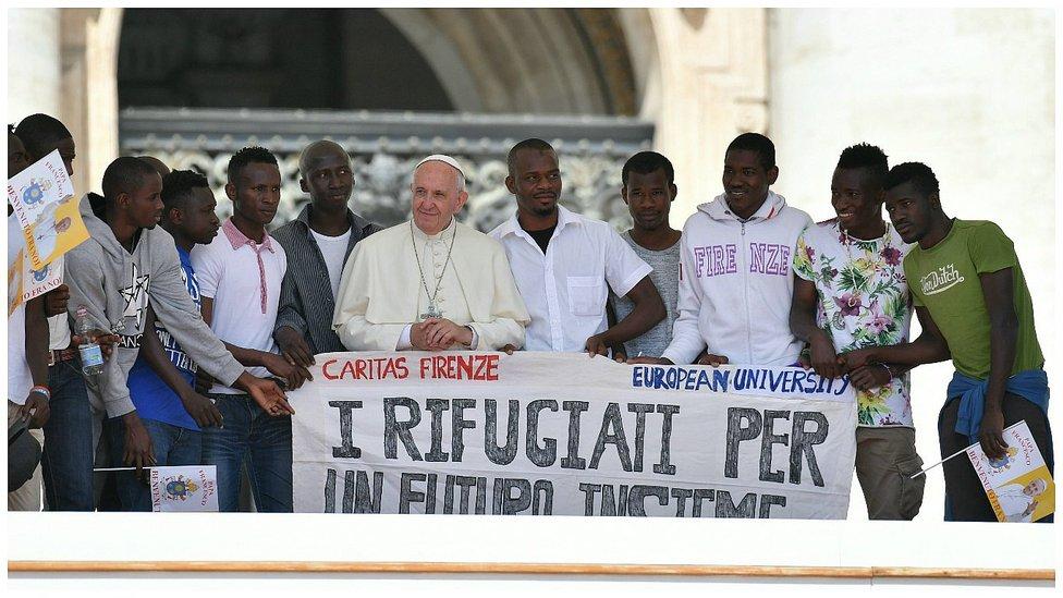 """Francisco: """"Cada refugiado tiene un nombre y un rostro, un derecho a vivir en paz y aspirar a un futuro"""""""