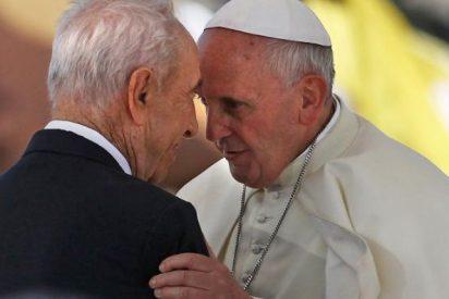 """Francisco desea que la memoria de Simon Peres """"inspire a todos para trabajar por la paz entre los pueblos"""""""