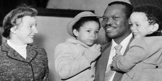 La historia de amor que conmocionó al mundo: el príncipe africano que renunció al trono por una mujer blanca