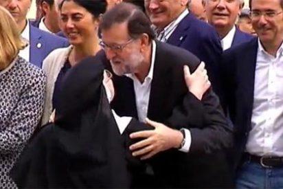 Devoción por Rajoy: dos monjas se saltan un disco en rojo para saludarle