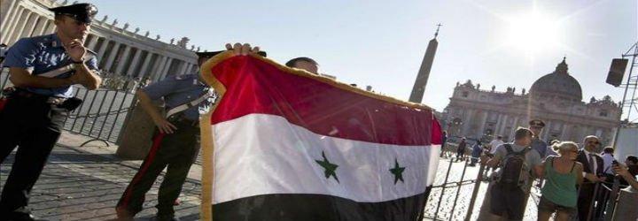 """El Papa pide a la comunidad internacional que """"no mire hacia otro lado"""" y frene la guerra en Siria e Irak"""