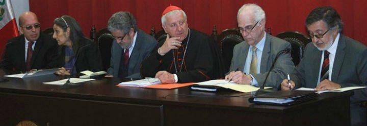 """El cardenal Versaldi invita a que se """"sanen heridas"""" entre el Vaticano y la PUCP"""