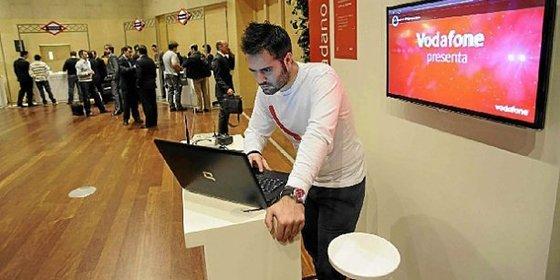Vodafone pone en alerta a sus usuarios ante unos ciberdelincuentes que se hacen pasar por operadores de la compañía