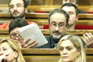 """Antonio Baños renuncia a su escaño al verse """"incapaz"""" de defender el 'no' a Mas"""