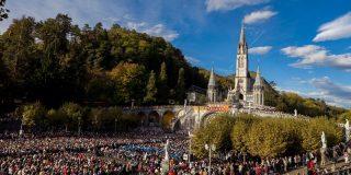 El papa Francisco pone freno a los negocios turísticos en el santuario de Lourdes