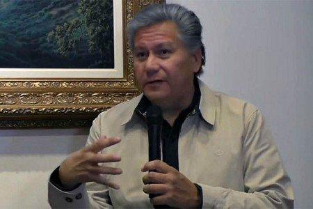"""Raúl Olmos: """"Los seguidores de Maciel financian parte del Estado Vaticano"""""""
