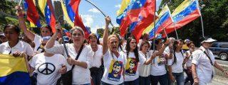 La oposición democrática pasa a la ofensiva en las calles y en la política de Venezuela