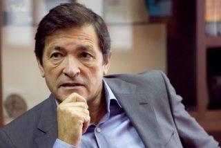 Javier Fernández está molesto con Puig y García-Page por su silencio en favor de la abstención