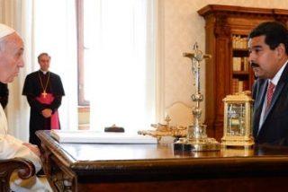 """Maduro agradece al Papa su impulso para """"el diálogo por la paz en Venezuela"""""""