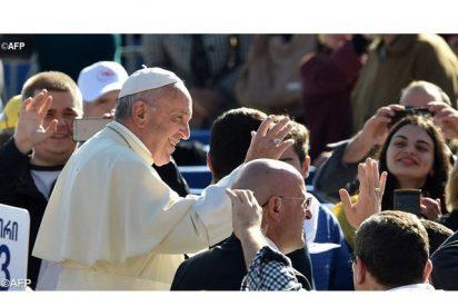 """El Papa, a los ancianos: """"Dios nunca los abandona, está cerca, listo para escucharlos"""""""