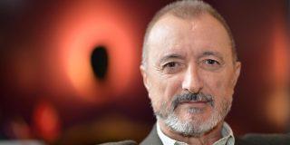 Arturo Pérez Reverte le da en los morros a la alcaldesa socialista de Getafe