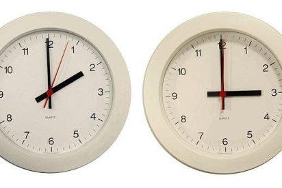 Los relojes se atrasarán una hora durante la madrugada de este domingo en España