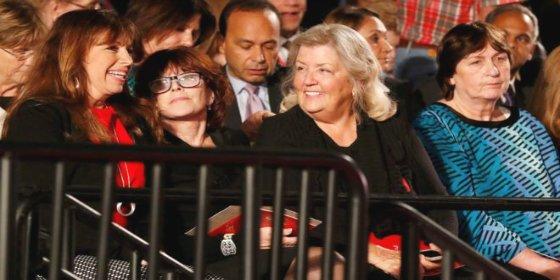 El sexo como arma política: las cuatro mujeres que Trump invitó al segundo debate
