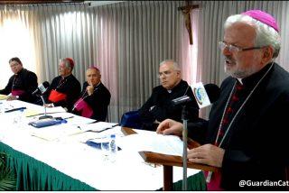 """Los obispos piden a Maduro y la oposición """"evitar una espiral de violencia"""" en Venezuela"""