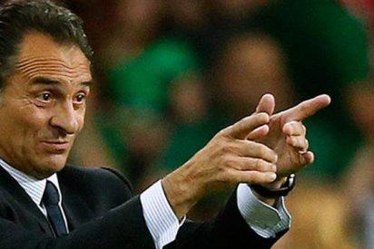 El otro gran delantero (además de Chicharito) en la agenda del Valencia
