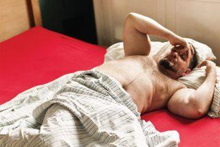 Las 5 cosas que nunca debes poner sobre tu cama si eres un poco despierto