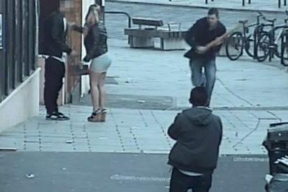"""[VÍDEO] La salvaje agresión con un palo a unos españoles en Reino Unido al grito de: """"¡Hablen inglés!"""""""