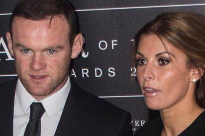 La esposa de Rooney estalla y le defiende ante sus críticos