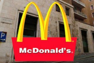 """Del """"boccato di cardinale"""" al Big Mac: la Curia se rebela contra la llegada de McDonalds al Vaticano"""