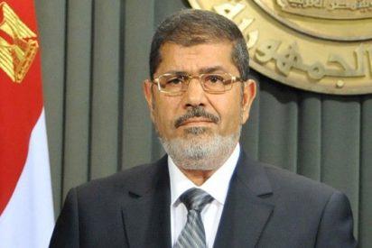 Condenan al expresidente de Egipto, Mohamed Morsi a 20 años de cárcel