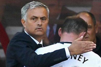 Mourinho se compadece de la caída en desgracia de Wayne Rooney