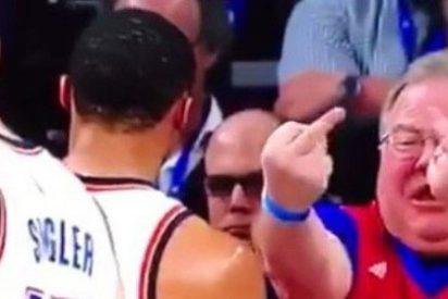 La genial reacción de Westbrook ante los cuernos de este espectador patoso y faltón