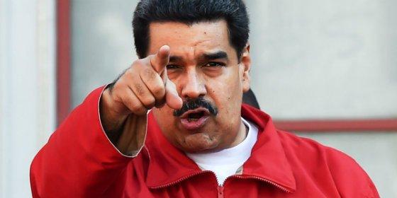 """Maduro amenaza con """"recuperar"""" para los obreros las empresas que vayan a la huelga"""