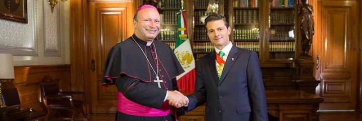 """""""Acompañar, no polemizar"""": El Nuncio Coppola, conciliador en el debate sobre el matrimonio homosexual"""