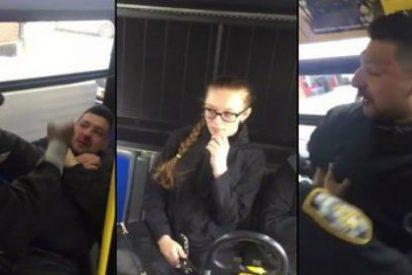 Así le parten la cara a un acosador en el autobús de Nueva York