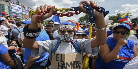 [VÍDEOS] Las balas chavistas que no silencian el grito de la Venezuela herida por Maduro
