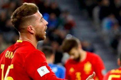Ramos ataca a sus críticos, pero está 'vigilado' en el Madrid y la Roja