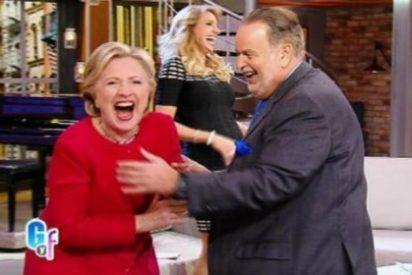 Con este desparpajo baila salsa Hillary Clinton y chapurrea español