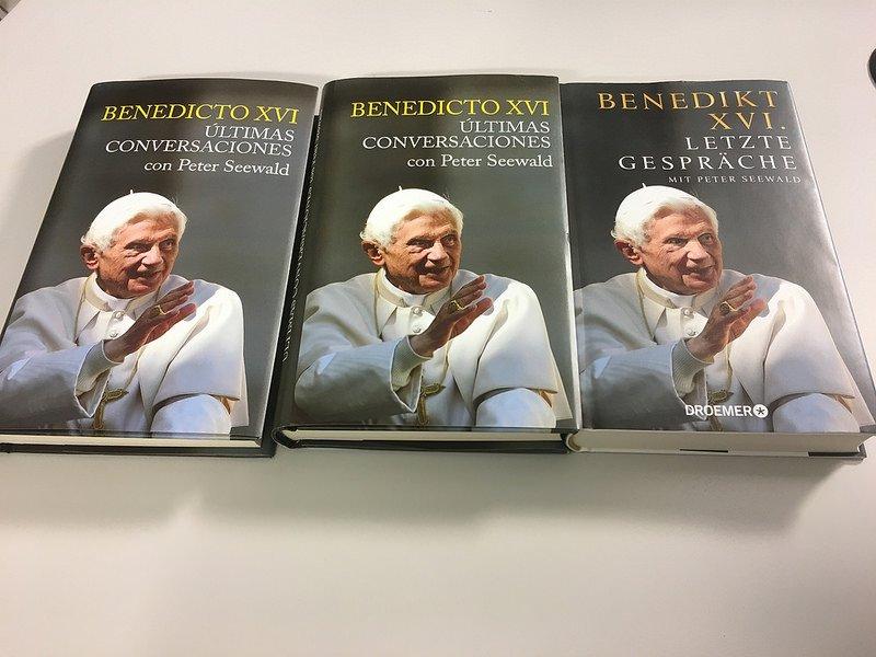 """Las """"últimas conversaciones"""" del Papa Benedicto XVI"""