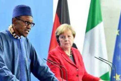 El presidente de Nigeria suelta un comentario machista y Angela Mérkel casi se lo come crudo