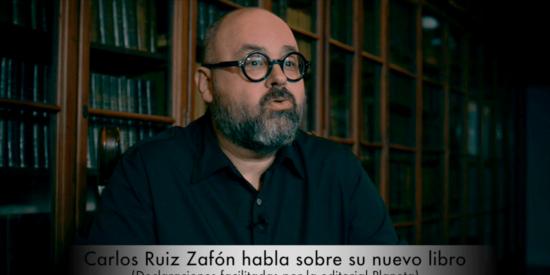 Ruiz Zafón presenta 'El Laberinto de los Espiritus' en Barcelona