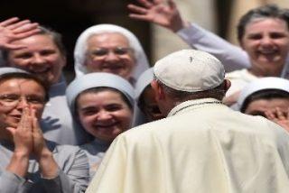 """El papa dice que los frailes y monjas """"que viven como ricos"""" dañan a la Iglesia"""