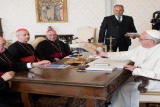"""Los obispos argentinos muestran su """"estima y apoyo"""" a las decisiones del Papa"""