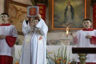 """China dice que hace """"esfuerzos incansables"""" por mejorar su relación con el Vaticano"""