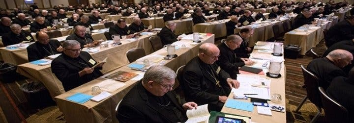 """Los obispos estadounidenses eligen entre la fidelidad a Francisco o el """"modelo Trump"""""""