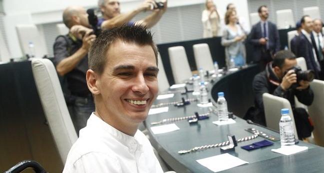 ¡Y estos son los 'feministas'! El concejal que pidió guillotina para Gallardón deja su acta en el Ayuntamiento de Madrid por el acoso sexual a una compañera de trabajo