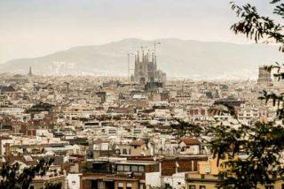 ¿Alienta o sólo permite Ada Colau el porno extremo en las calles de Barcelona?
