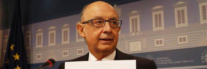 """Cristóbal Montoro está """"seguro"""" de que habrá acuerdo con las CCAA para revisar """"al alza"""" sus objetivos de déficit"""